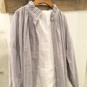 今から使えるフリルギャザーシャツ入荷しました☆ / mumokuteki goods&wears京都